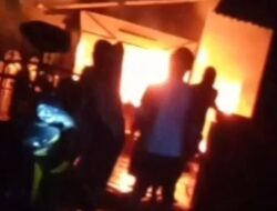 Rumah Warga Parigi Ludes Terbakar, Lansia Nyaris Terlalap Api
