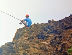 Spot Mancing Favorit Di Pantai Madasari, Ini Bikin Ketagihan
